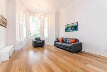 Earl's Court Square Flat to rent