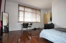 Studio flat in Catford Road, Catford...