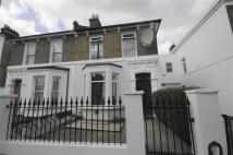 3 bedroom semi detached house to rent in Knowles Hill Crescent...