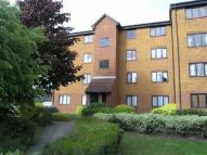 1 bed Flat to rent in Rowallen Court...
