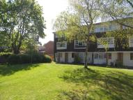2 bedroom Ground Maisonette in Perryfield Way, Ham...