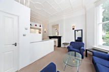 Flat to rent in Sinclair Road...