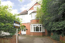 6 bedroom house in Monument Green...