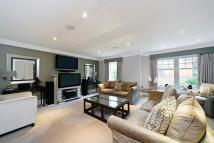 4 bed semi detached home in Old Avenue, Weybridge...