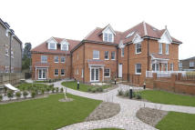 Apartment to rent in Oatlands Chase...