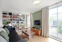 3 bed home in Dunston Road, SW11