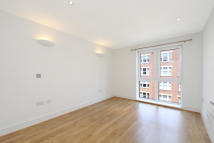 1 bedroom Flat to rent in Drapers Court...
