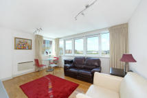 2 bed Flat in Oyster Wharf, Battersea...