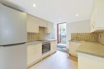 2 bedroom Flat in Dorothy Road, London...