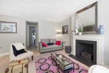 2 bedroom Flat in Crookham Road, London...