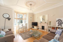 Flat to rent in Church Road, Richmond...