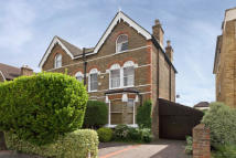 6 bedroom house to rent in Kings Road, SW19