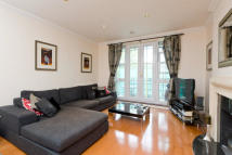 Apartment in Chapman Square, SW19