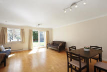 3 bed house in Cottenham Park Road...