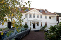 8 bed home in Roedean Crescent...