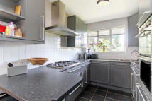 3 bed Apartment to rent in Sycamore Road...
