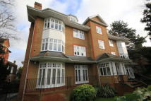 2 bedroom Flat in Arterberry Road...