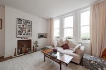 Flat to rent in King Henrys Road...