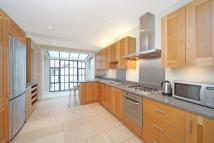Maisonette to rent in Regents Park Road...