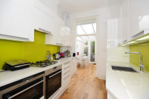 2 bedroom Flat in Ainger Road, London, NW3