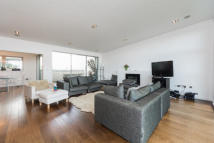 Apartment to rent in Southgate Road, N1 3LY