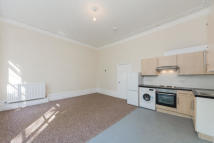 Apartment to rent in Arundel Square, N7