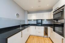 2 bedroom property in Queensland Road, London...