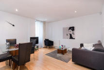 Flat to rent in Saffron Hill, EC1N