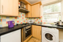 3 bedroom Flat in King's Cross Road, WC1