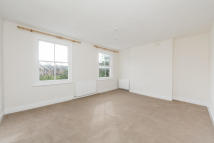 2 bedroom house to rent in Courtney Road, London, N7