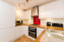 2 bedroom Flat to rent in Attneave Street, WC1