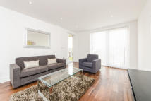 Apartment in De Beauvoir Crescent, N1