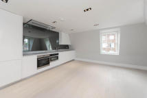 2 bedroom Apartment to rent in John Street, WC1N