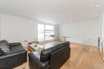 3 bedroom Apartment to rent in Tiltman Place, N7 7EL