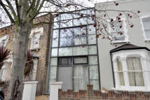 Leconfield Road Flat to rent