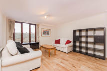 Flat in Hermitage Court...