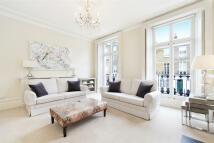 Maisonette to rent in Sydney Street, Chelsea...