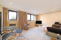 Flat to rent in Marlowe Court, Petyward...