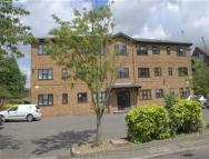 Flat in Oakwood Court, Swanley...