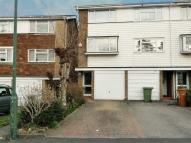 3 bedroom Town House to rent in Silverspring Close, Erith