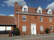 4 bed semi detached house in Mayflower Road...