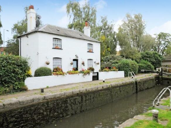 3 Bedroom Detached House For Sale In Lock Cottage Station