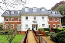 Flat to rent in Regency Court...