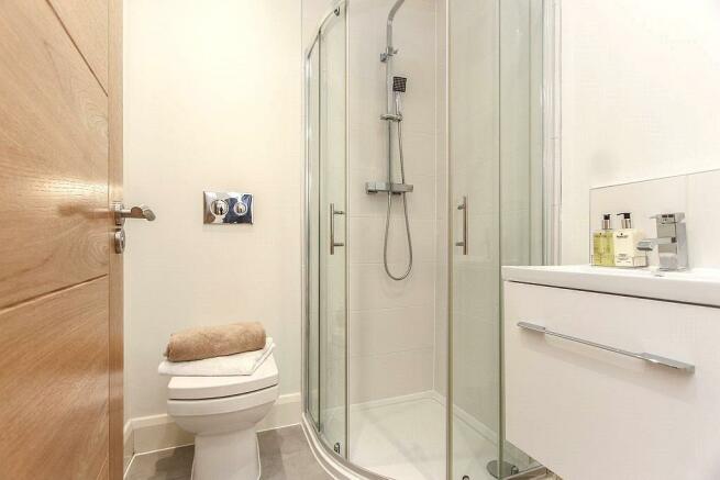 Lgf- Shower/Wc