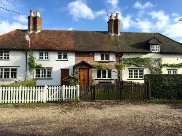 3 Bedroom House For Sale In Cecil Lodge Cottages Bedmond