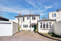 2 bedroom Detached house in Clarence Road...
