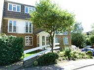 2 bed Flat to rent in CROFTON WAY, ENFIELD, EN2