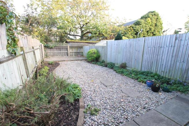ATTRACTIVE REAR GARDEN