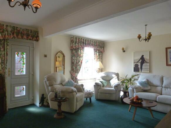 East Close 1 lounge