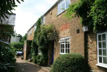 3 bed home in Hill Farm Road, Taplow